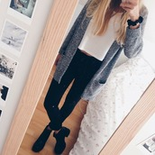 cardigan,grey,sweater,classy,shoes,t-shirt,white t-shirt,casual,simple tee,grunge top,jeans,top,blouse,boots,combat boots,denim,black,black jeans,grey cardigan,white,crop tops,bracelets,basic,outfit,fall outfits,jacket,jumpsuit,pants,home accessory,in love,heather grey,cute,love,trendy,trendy vibes,fit,classic,gray cardigan,cute top,white top