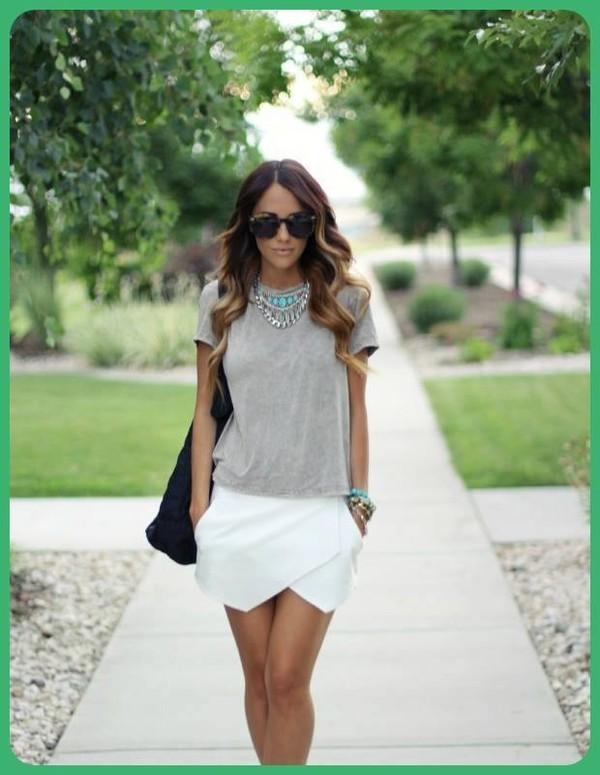Skirt: white skirt, white skirt, short skirt, grey t-shirt, grey ...