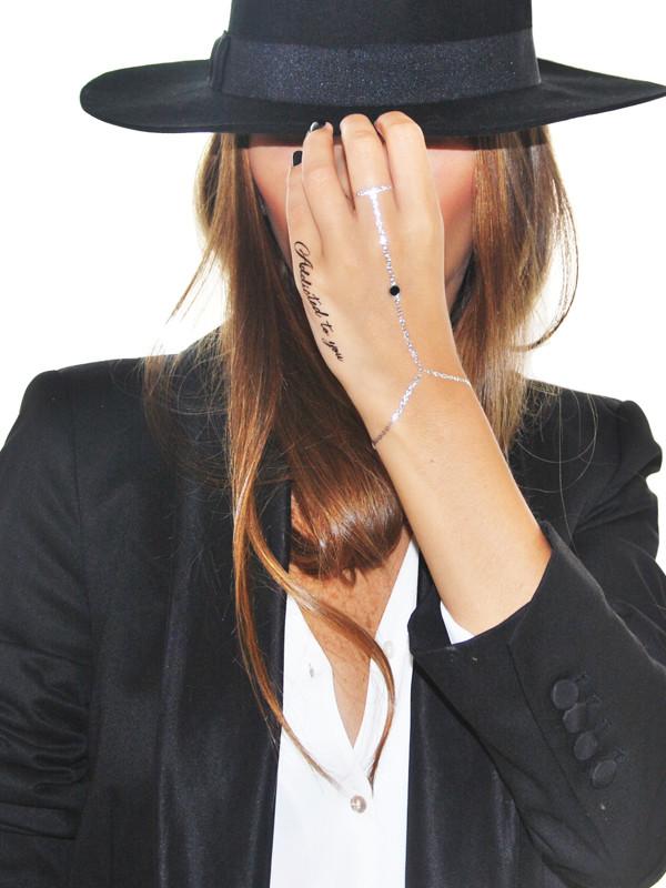 jewels tattoo temporaire tattoo éphémère tattoo temporary tattoo tatouage éphémère tatouage temporaire hand chain