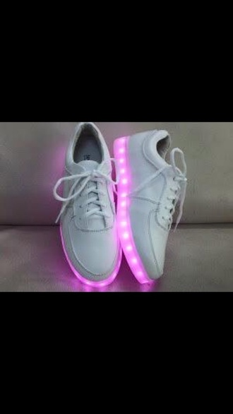 shoes glow in the dark nike in the dark