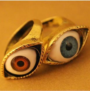 Урожай ретро Европа панк готический преувеличены вампира Синяя бронза глаз кольца B8R5C Бесплатная доставка, принадлежащий категории Кольца и относящийся к Ювелирные изделия на сайте AliExpress.com