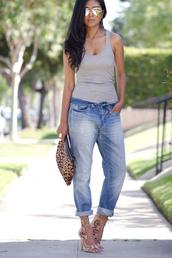 walk in wonderland,t-shirt,jeans,bag,jewels,sunglasses,shoes,high heels,blogger,casual