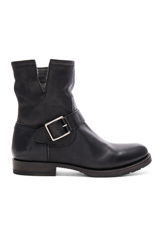 boot short black shoes