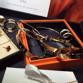 jewels,hermes,bracelets,hermes bracelet,gold,love,pretty,classy