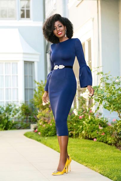 blogger dress blue dress midi dress belted dress pumps