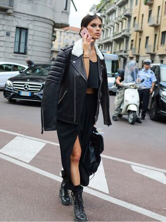 jacket all black everything sara sampaio model off-duty streetstyle milan fashion week 2016 skirt slit skirt crop tops