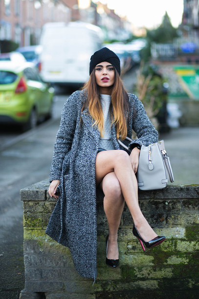 she wears fashion blogger leather bag grey coat stilettos winter swag coat top skirt bag