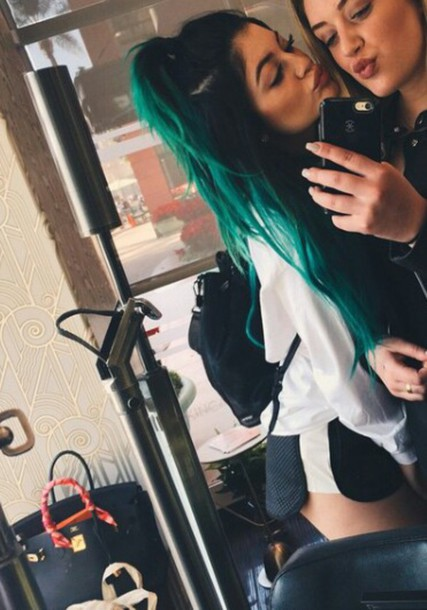shorts black and white kylie jenner