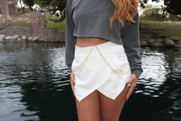 shorts skorts white skort body chain gold body chain sweater jewels