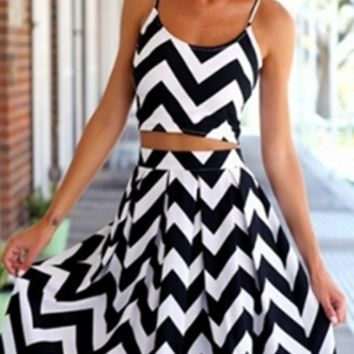 Black Chevron Stripe Spaghetti Strap Scoop Neck Crop Top Pleated ...