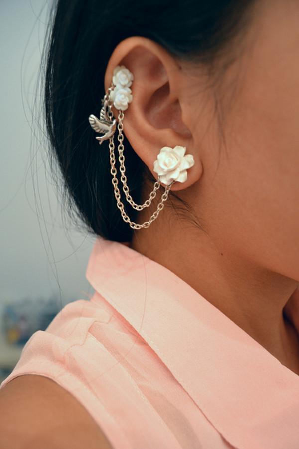 jewels ear cuff earrings flowers white jewelry chain roses wite ear cuff silver hair accessory