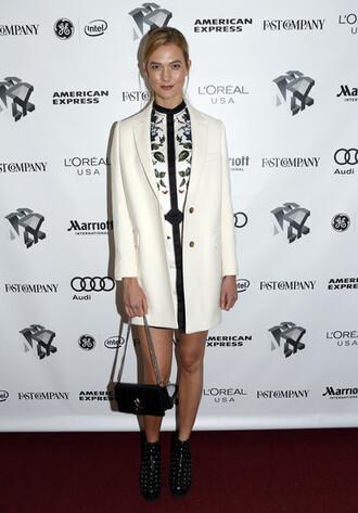 dress karlie kloss model off-duty blazer ankle boots purse