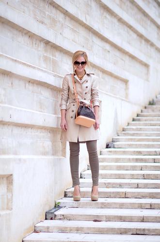 oh my vogue blogger bag sunglasses louis vuitton skinny pants pumps beige