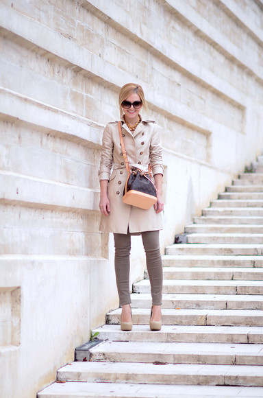 beige bag pumps sunglasses skinny pants oh my vogue blogger louis vuitton
