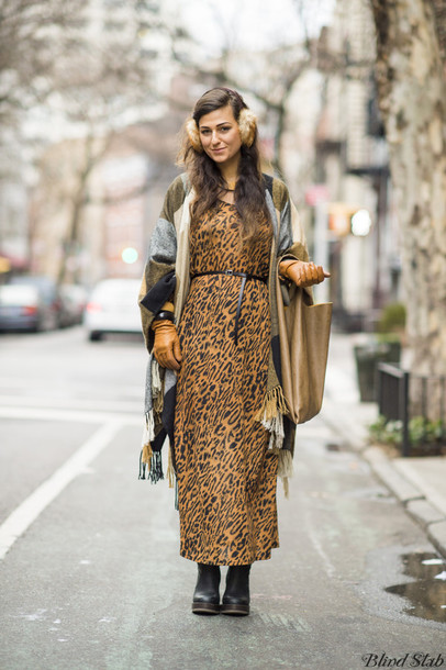 do the hotpants jewels dress shoes bag belt earmuffs leopard print animal print maxi dress printed dress blanket scarf scarf brown bag winter outfits winter look leather gloves gloves waist belt boots