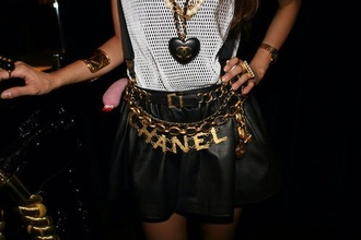 skirt chanel jewels jeans t-shirt white blouse black dress necklace ring