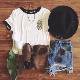 shirt hat white pineapple glasses outfit t-shirt cool cool shirts pineapple print cute summer summer outfits jeans sunglasses stylish