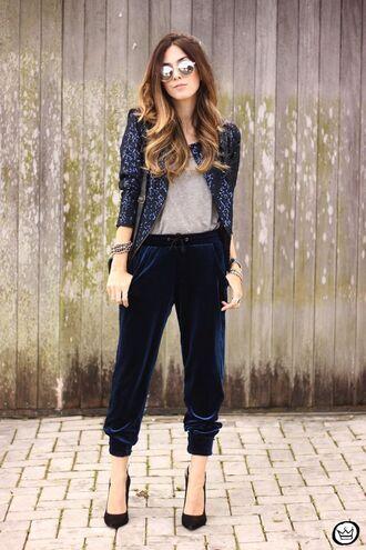 pants velvet pants cropped velvet pants cropped pants tumblr velvet blue pants pumps pointed toe pumps high heel pumps blazer printed blazer sunglasses mirrored sunglasses round sunglasses t-shirt grey t-shirt