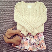 shorts,sweater,shoes,floral,short shorts,vintage,cream,cozy,cozy sweater,clothes,pullover,white,off-white,pants,high heels,shirt,blouse