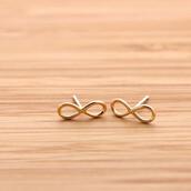 jewels,stud earrings,infinity earrings,earrings,infinity stud earrings