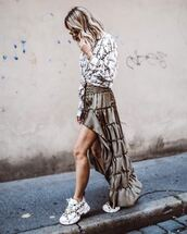 shoes,sneakers,platform sneakers,asymmetrical skirt,printed shirt,sunglasses