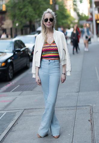 yael steren blogger top jeans jacket shoes jewels sunglasses make-up