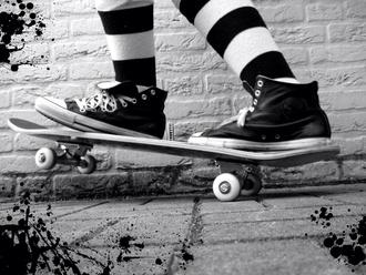 shoes striped socks black shoes skateboard