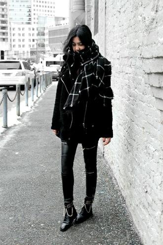 florencia r flo loves clothes blogger coat scarf pants shoes