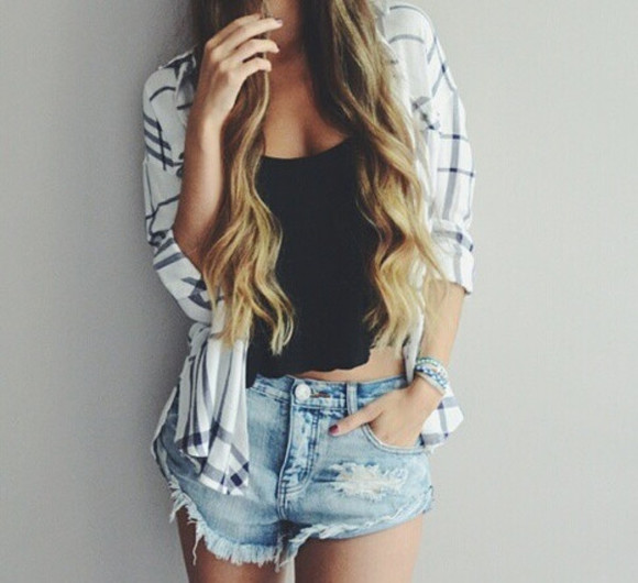 blouse black top blonde wavy hair black and white black t-shirt ripped shorts