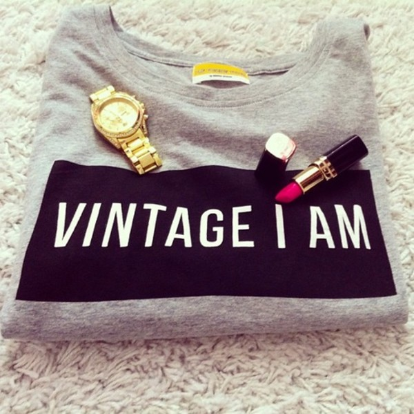sweater t-shirt shirt clothes grey sweater vintage i am vintage black gris girl t-shirt graphic tee blouse jewels nail polish make-up grey sweater
