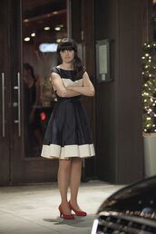 dress,new girl,zooey deschanel,celebrity,actress,jess day,jessica day,black and white dress,midi dress,a line dress,pumps,mid heel pumps,red pumps,belted dress