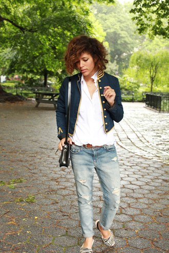 trop rouge t-shirt jacket jeans bag belt shoes jewels