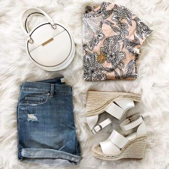 the double take girls blogger t-shirt shoes bag top round bag denim shorts wedges summer outfits