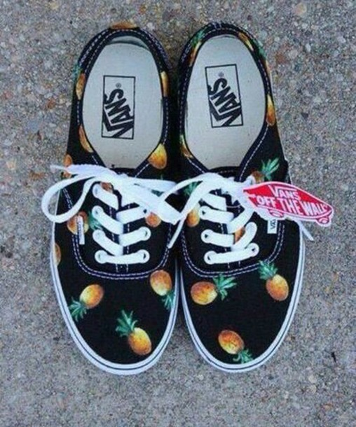 shoes pineapple shorts pom pomss vans t-shirt