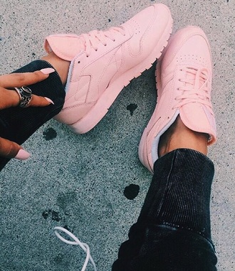 shoes pink tumblr baby pink trainers all pink wishlist sneakers girly reebok