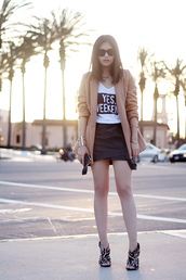 fake leather,coat,skirt,t-shirt,jewels,shoes,sunglasses