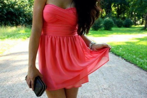 dress pink short ruffle dress short dress pink dress bandeau twist girl clothes red dress black dress prom dress bag summer summer dress love like red boob tube cute beautiful pretty cocktail dress cute dress sexy fashion coral tanned girl long hair gorgeous strapless dress black clutch clutch chiffon lovely sleeveless dress black clutch bag silk dress flowy dress pretty girl gorgeous prom dress