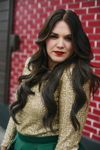 blouse gold top sequin blouse metallic metallic blouse long hair brunette red lipstick make-up hairstyles