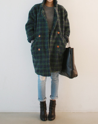 coat plaid old looking vintage jeans shoes bag plaid coat jacket trench coat blue green blue plaid green plaid cool warm chic old school old man amazing retro hipster hipster clothes comfy soft street