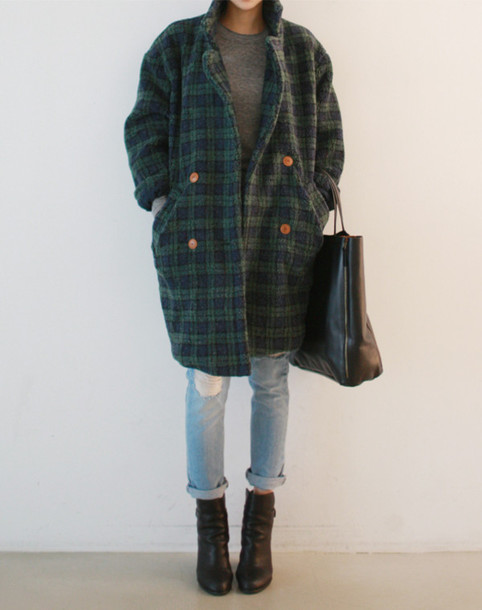 coat plaid old looking vintage jeans shoes bag plaid coat jacket trench coat blue green blue plaid green plaid cool warm chic old school old man amazing retro hipster hipster comfy soft street indie tartan coat tartan jacket tartan