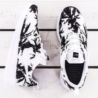 shoes nike black and white nike running shoes dress running nike roshe run fitness sneakers palm tree print pattern print