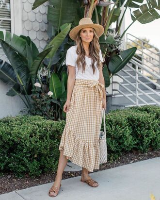 skirt hat tumblr midi skirt gingham skirt gingham t-shirt white t-shirt sandals flats slide shoes sun hat bag shoes
