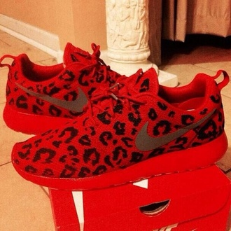 shoes nike nike roshe run red leopard print nike shoes leopard nikes nike running shoes running shoes cute sneakers nike sneakers style dope red leapoard roshe runs lepord red lepord running bright sexy red red lepord nike