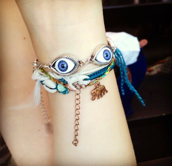 jewels bracelets eyes charms eye blue blue dress jewelery hair accesorize gold golden jewel style silver boho indie hipster vintage soft grunge grunge alternative fashion girly cute sweet lovely pepa
