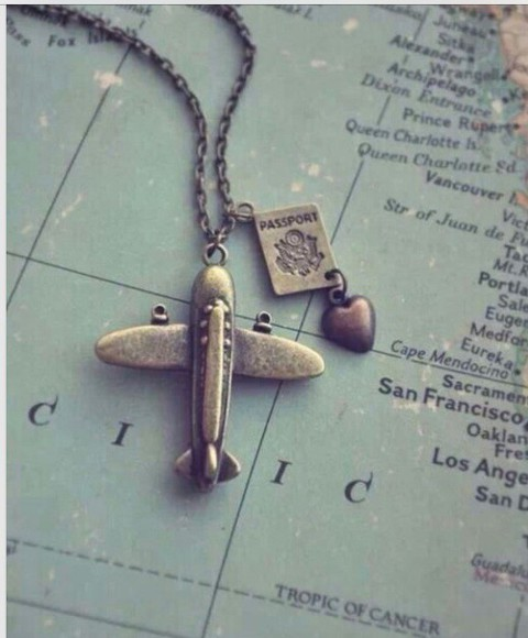 jewels collier fly avion