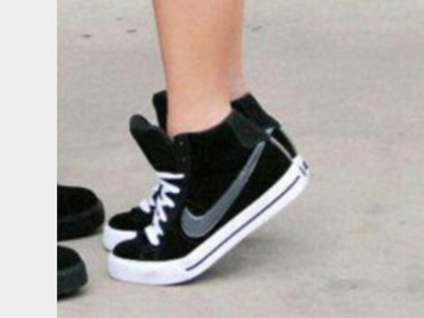 shoes black and white nike shoes high top sneakers