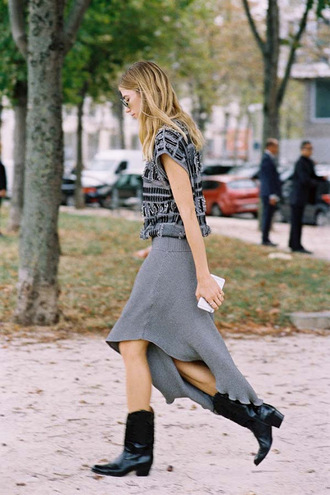 vanessa jackman blogger skirt shoes tank top