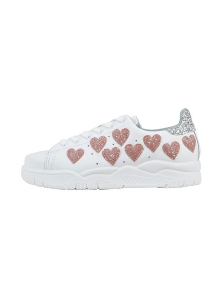 Chiara Ferragni heart white shoes