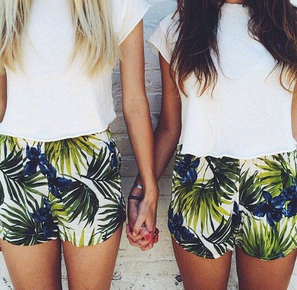 shorts white High waisted shorts palm tree print palmtree print leaf print white tank top