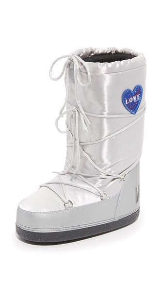 moon boots silver shoes